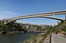 Infante D. Henrique Bridge, Slender Concrete Arch (Beginning of XXI Century)