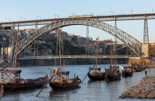D. Luís I Bridge, Two Decks Arched Metallic Truss (Late XIX Century)